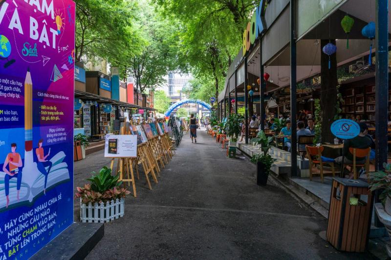 Nguyễn Văn Bình (Book Street)