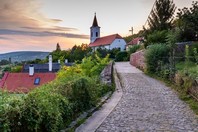Church, Alsóörs