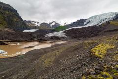 Approaching the glacial lake of Falljökull