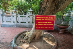 Tran Quoc Pagoda sign
