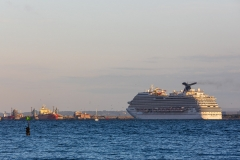 Carnival Breeze, Southampton Water